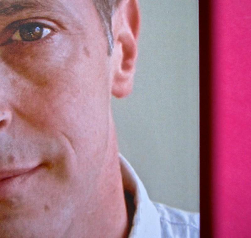 David Sedaris, Esploriamo il diabete con i gufi. Mondadori 2014. Art Director: Giacomo Callo; Graphic designer: Manuele Scalia; progetto grafico e illustrazione di copertina: Emily Burns. Quarta di copertina, ritr. fotog. dell'autore, resp. non indicata (
