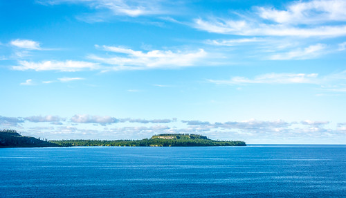 morning seascape sunrise island dawn bay nikon day mare sunny newcaledonia nouvellecaledonie lightroom pede loyaltyislands d7100 nikkor18105mmf3556 provincedesiles christopheroberthervouet baiedepede ilesloyalte