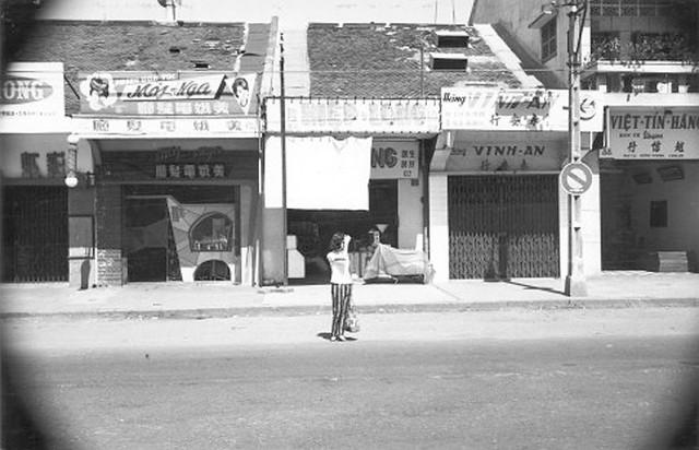 va010923 - Đường Đồng Khánh. Nhà ở giữa là số 92 ĐK