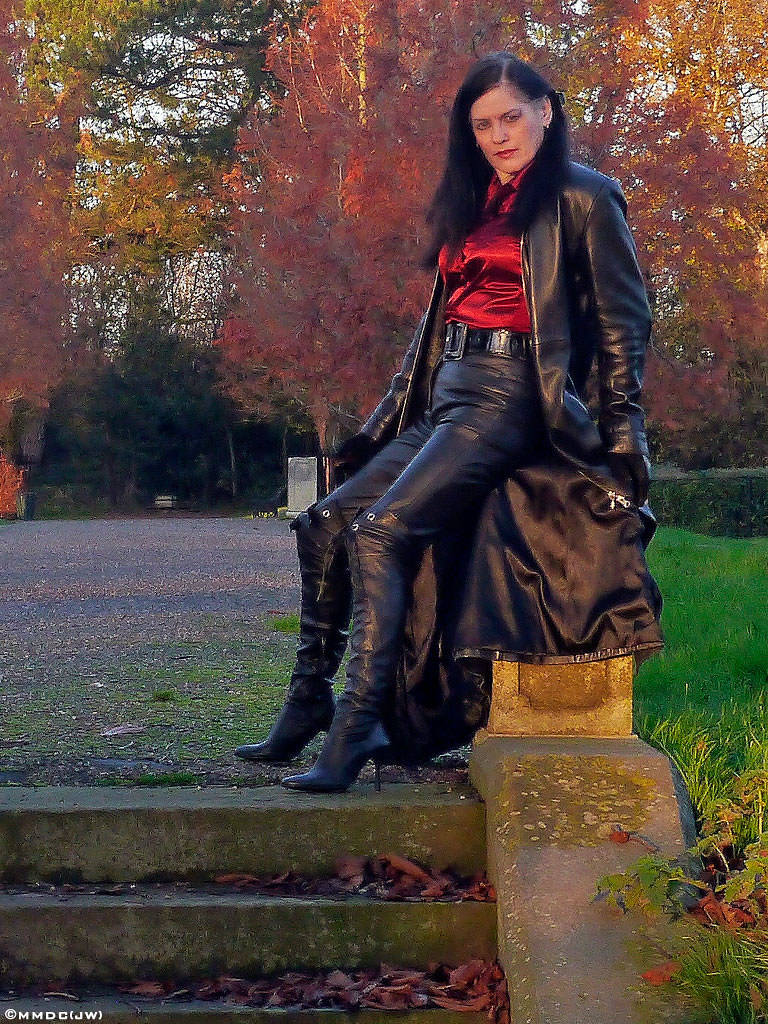 Ladies in leather gloves and boots - Woman With A Leather Coat 1 6