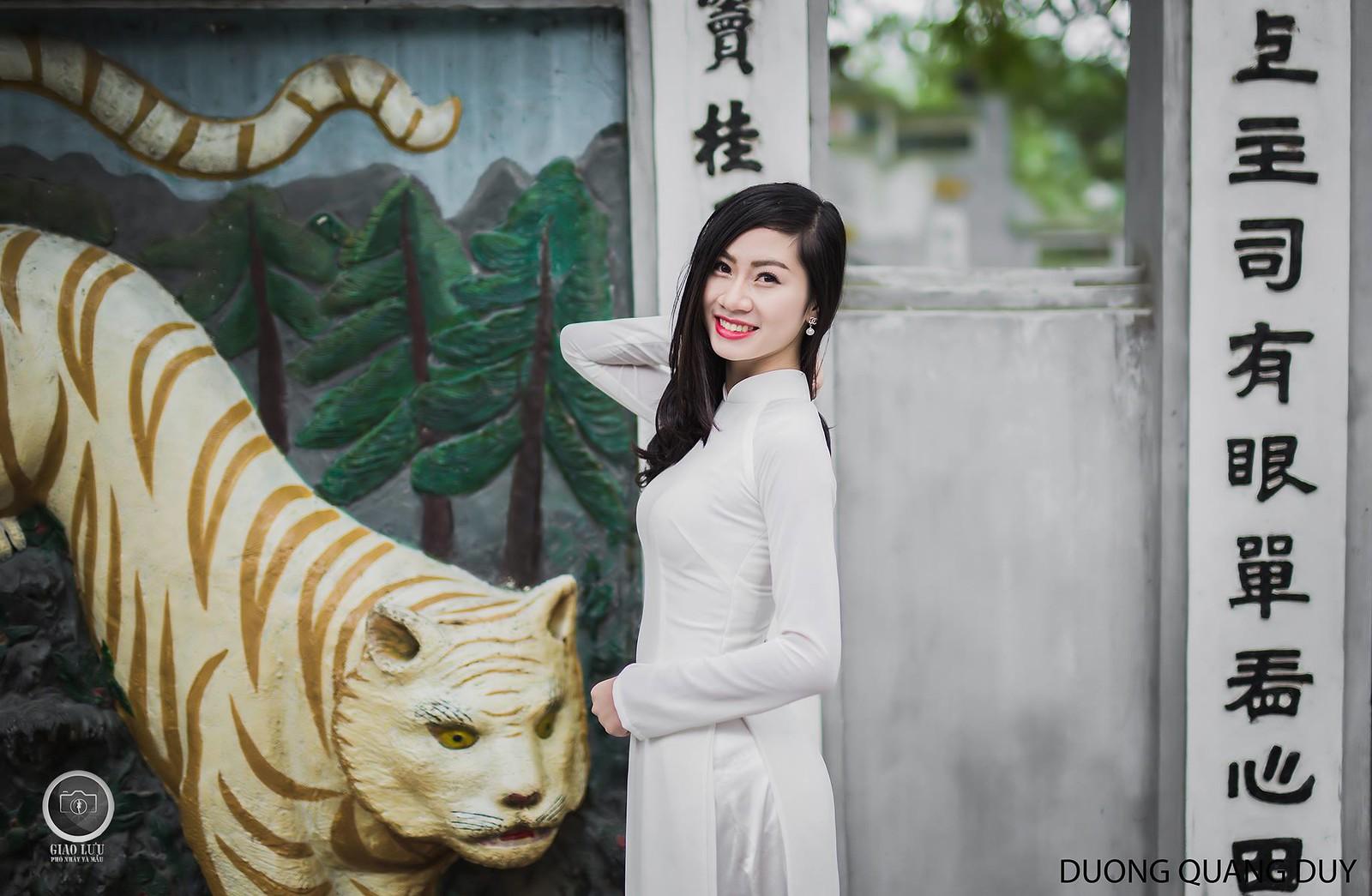 Áo dài trắng - Hà Nội chớm đông 1