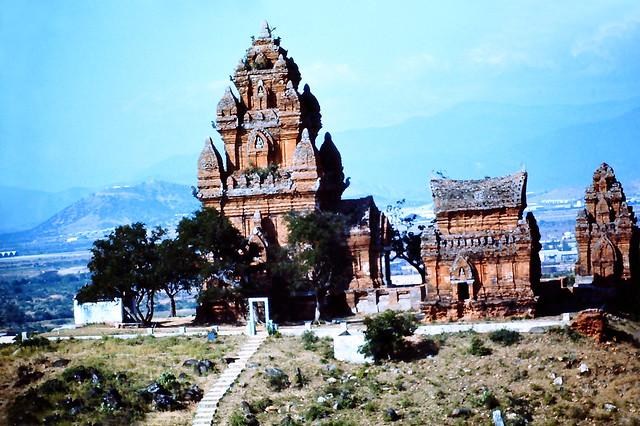 Tháp Chàm PHAN RANG 1971 - Photo by Lourun