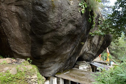Kalpeshwar temple - wavy rocks depict the Lord Shiva's matted locks