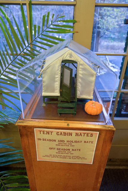 【帳篷模型】話說現場的房價還真貴,事先上網預訂,有暖氣的帳篷一晚 70 USD