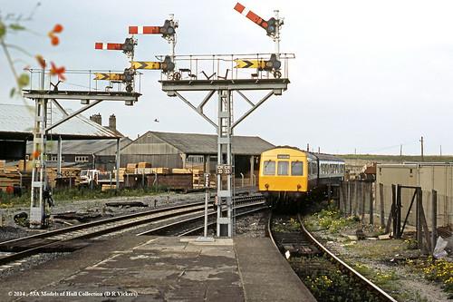 train diesel cleveland railway passenger britishrail countydurham hartlepool dmu class101 metropolitancammell