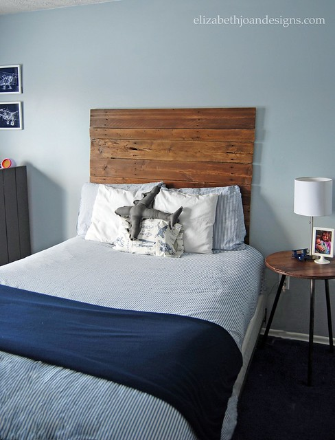 DIY Reclaimed Wood Fence Headboard
