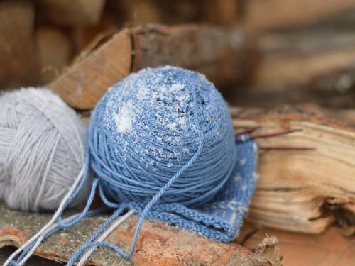 snowy yarn
