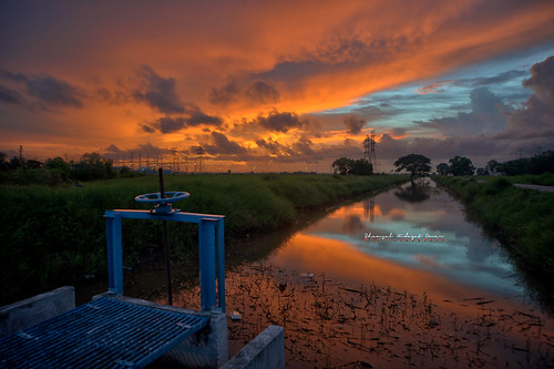 sunset reflection tourism photography high interesting nikon scenery tali dynamic air places scene malaysia kampung omar range hdr d3 senja suka kedah alor setar matahari hidayat kunci greatphotographers menanti shamsul terbenam photoengine oloneo