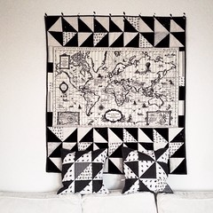 A map of the world :earth_americas:  #ritacor #quilt #patchwork #black&white