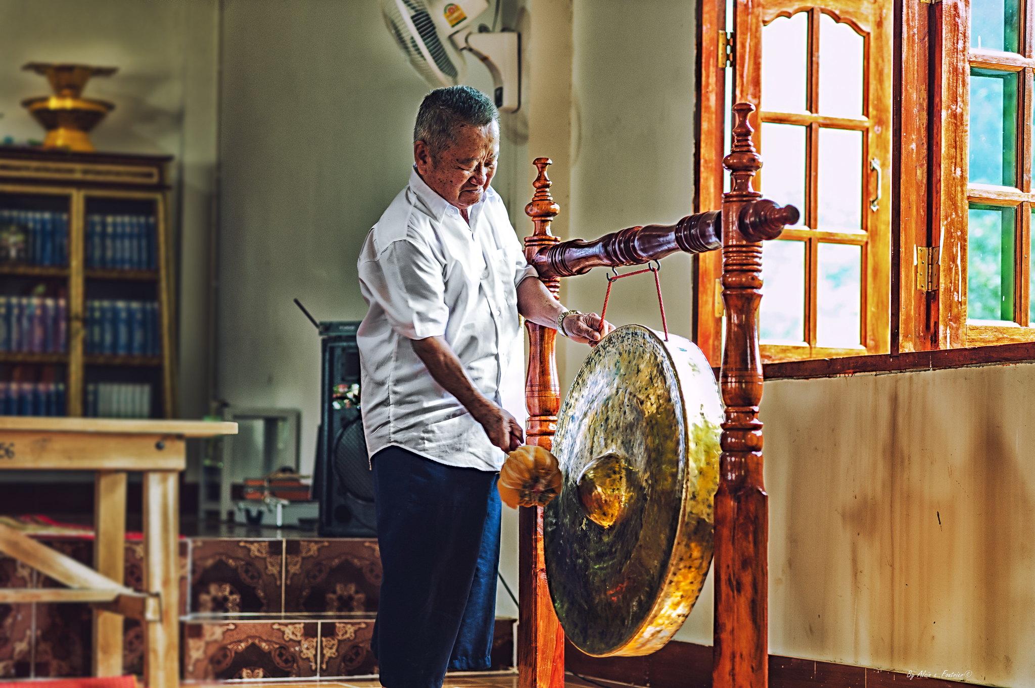 tambour métallique  Thaïlande temple