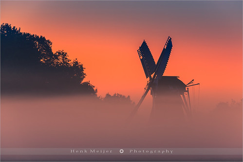 morning holland nature netherlands windmill colors fog sunrise canon landscape photography dawn colorful warm mood glory atmosphere windmills colourful groningen setting mis garmerwolde poldermill floydian canoneos1dsmarkiii langelandster henkmeijer