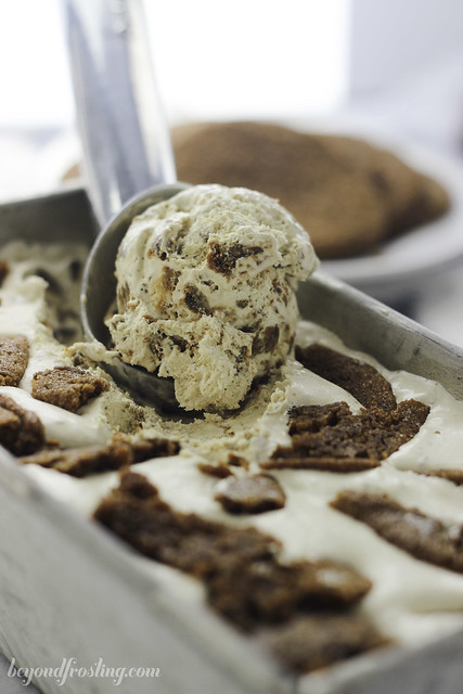 No-Churn Loaded Molasses (Gingerbread) Cookie Ice Cream