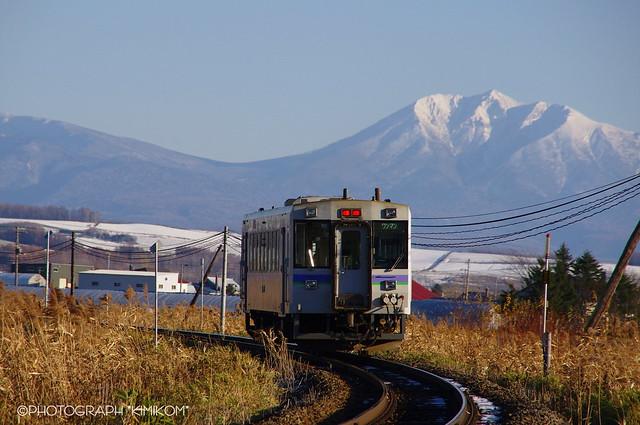 オプタケシケ山とキハ