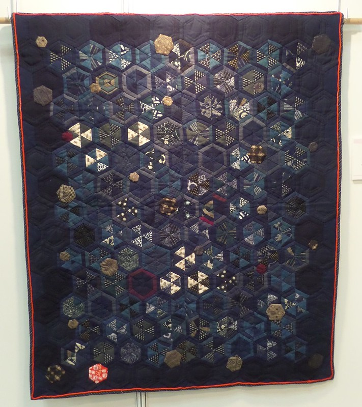 Hexagon Quilt by Toshiko Sudou