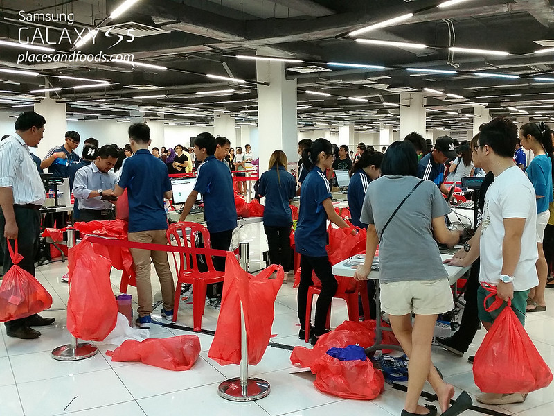 adidas year end warehouse sale viva expo hall 2014 cashier