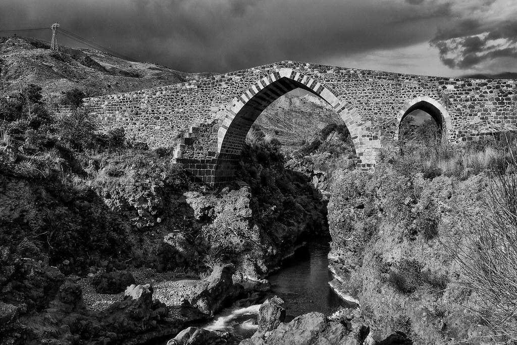 Ponte dei Saraceni - Adrano - Sicily