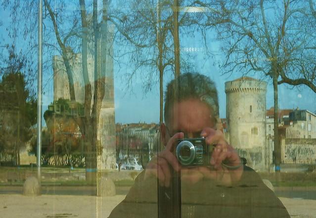 La rochelle anamorphoses et jeux de miroir explore for O miroir la rochelle