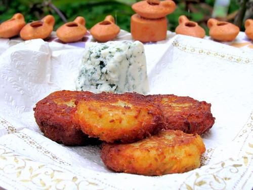 Blue Cheese Levivot