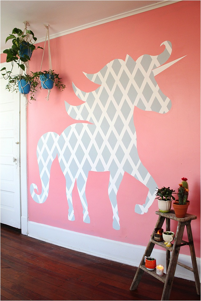 Awesome DIY Geometric Unicorn Wall