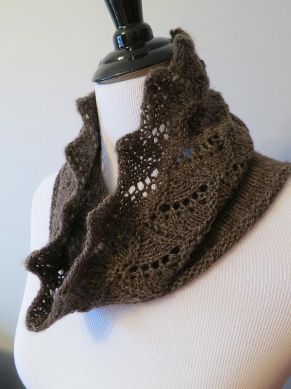 Knitting Like Crazy: Free Pattern: Buckhorn Cowl