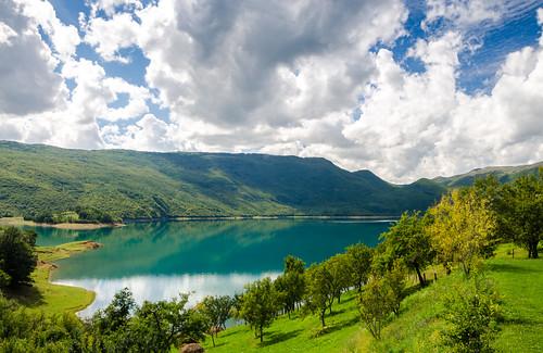blue trees summer sky lake green nature water clouds bosnia herzegovina balkans polarizer rama hercegovina bosna jezero bosniaandherzegovina bosnaihercegovina balkanpeninsula ramsko ramaprozor
