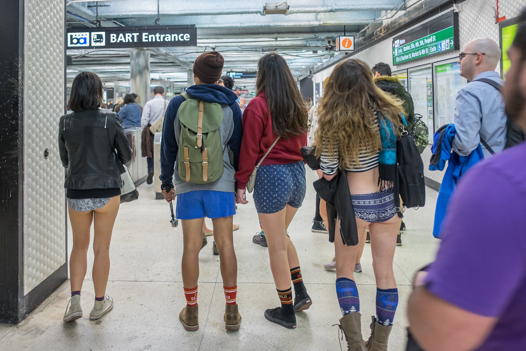 No Pants Subway Ride 2015: chivalrously yaw disillusionmen ...