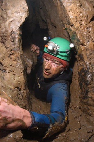Phill in the horrible bit of passage that links Sump 12 with Sump 12a