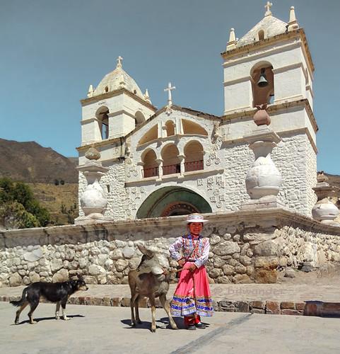 peru colca valley arequipa province church mca santa ana quechua girl lama dog ρeru solo travel bilwander