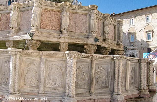 Perugia - Fontana Maggiore4