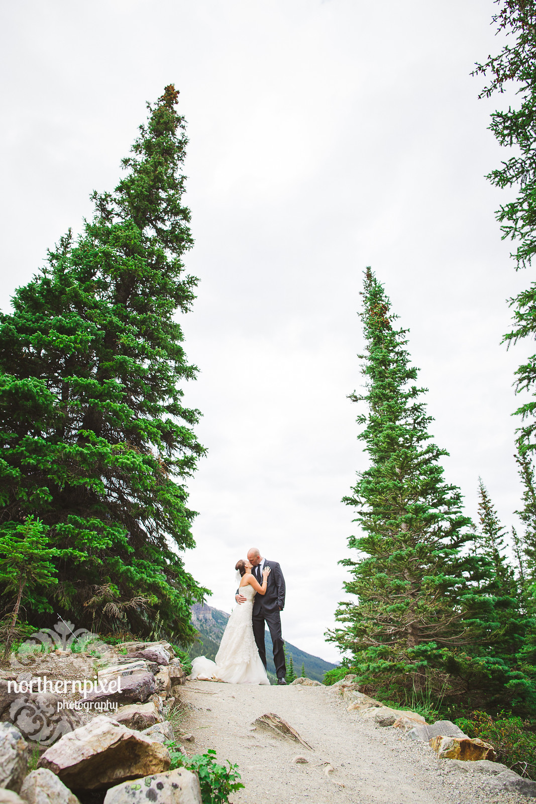 Melissa & Troy - Moraine Lake