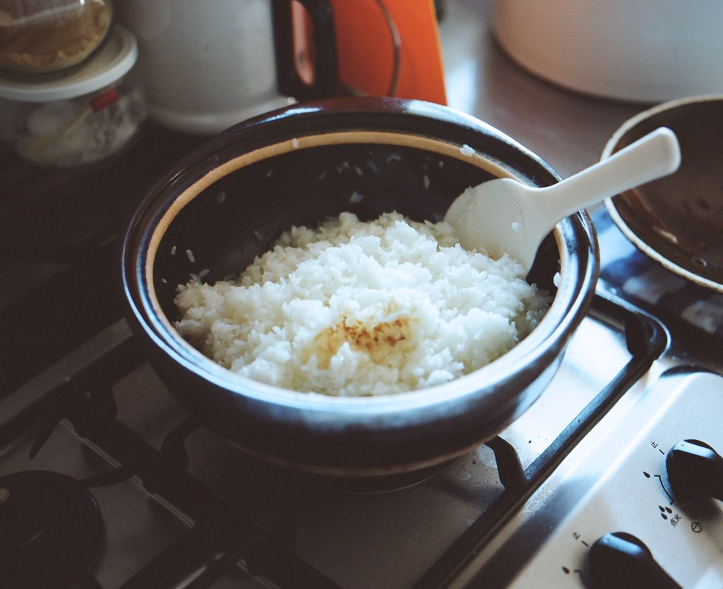 boil rice in a pan 3