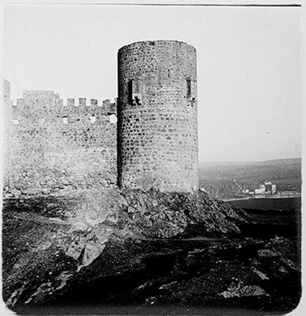 Castillo de San Servando en 1904. Fotografía de Augusto T. Arcimis © Fototeca del IPCE, MECD. Signatura ARC-0726_P
