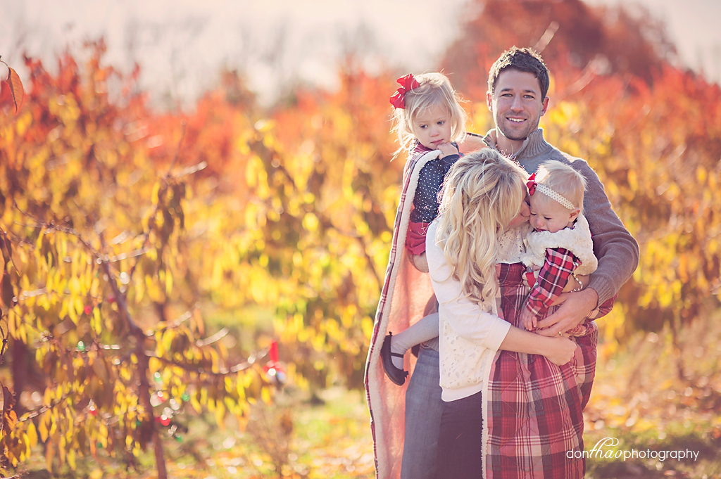 fall family photos in Michgian apple orchard