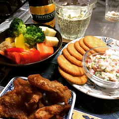 nibbles & bubbles (veggies with bagna cauda sauce, kamaboko dip & ritz crackers, karaage, prosecco) #dinner #christmaseve #japan