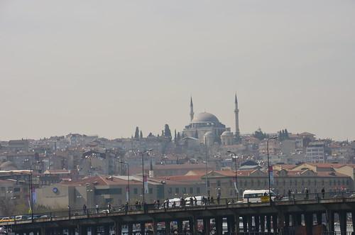 Moschee auf einem Hügel Istanbuls