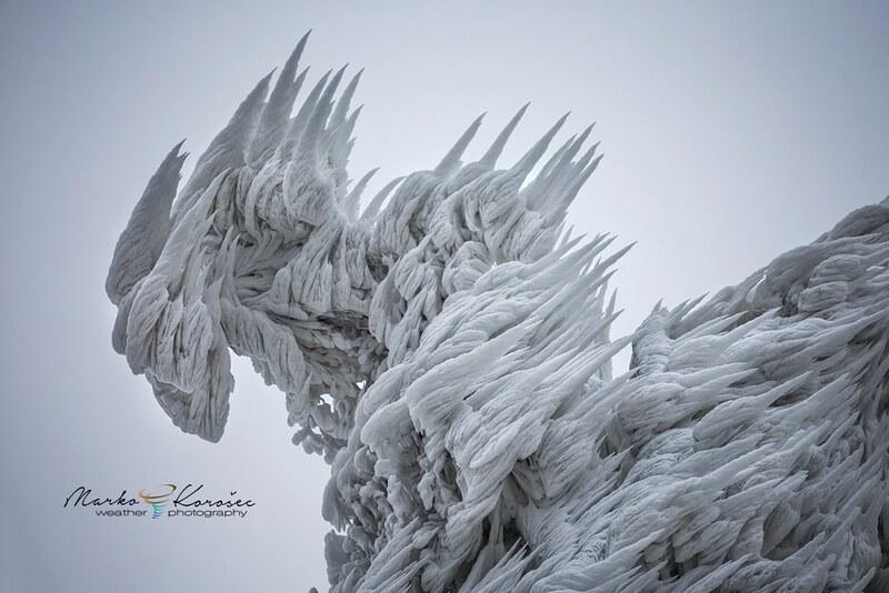 16030289102_d2e19506ba_c Les magnifiques formations de glace du mont Javornik