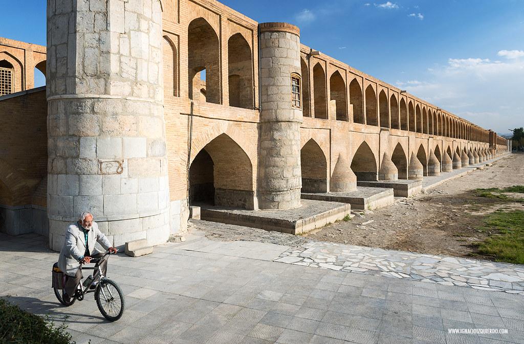 Isfahan 64