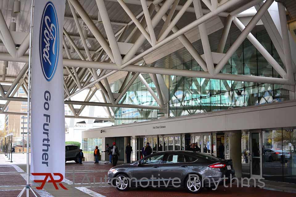 2015 Motor Trend International Auto Show