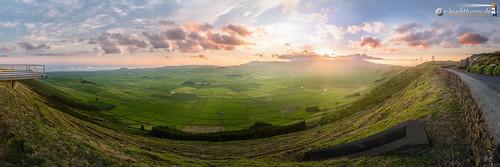 sunset panorama portugal horizontal meer europa europe sonnenuntergang caldera terceira vulcano azores açores atlantik vulkan caldeira azoren oceansea querformat 3x1 ilhaterceira serradocume caldeiradoguilhermemoniz einsturzkrater serradomoriao