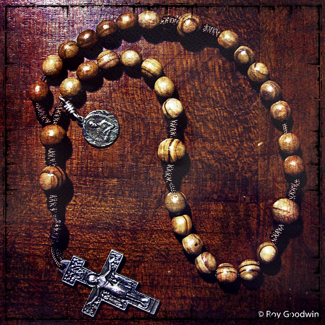 8mm Olive Wood Anglican Rosary