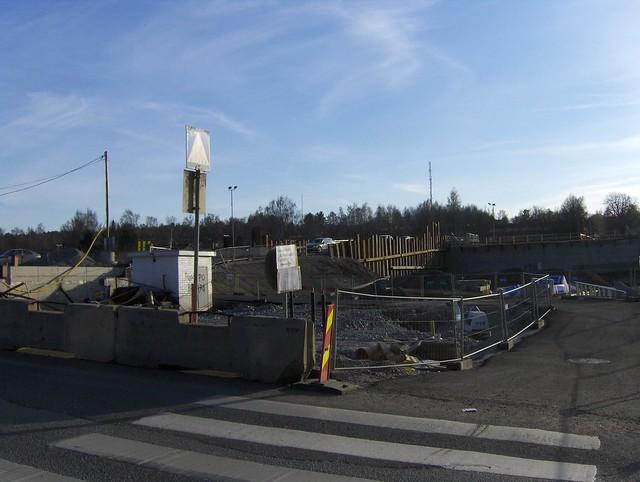 Hämeenlinnan moottoritiekate ja Goodman-kauppakeskus: Työmaatilanne 22.4.2012 - kuva 12