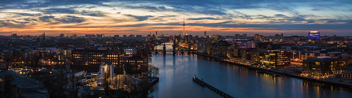 bridge sunset panorama berlin skyline river kreuzberg germany deutschland lights sonnenuntergang nightshot capital hauptstadt alexanderplatz fernsehturm twintowers bluehour fluss spree friedrichshain tvtower treptow lichter nachtaufnahme basf oberbaumbrücke blauestunde osthafen treptowers warschauerbrücke mediaspree warschauerstrase