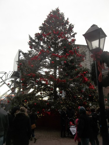 Scenes from the Toronto Christmas Market, Distillery District (7)