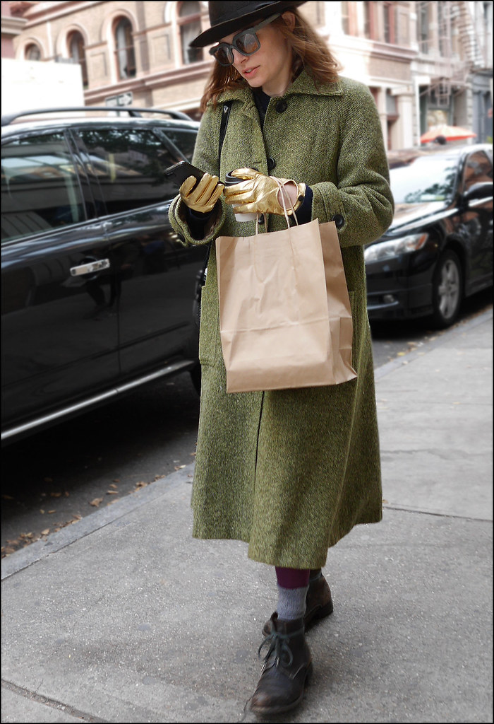 SS12-14  2 green overcoat gold gloves black fedora work boots
