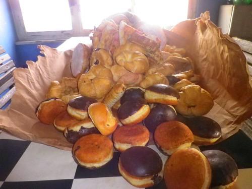 這些麵包真的糟糕到只能給豬吃嗎?圖片提供:楊宗翰