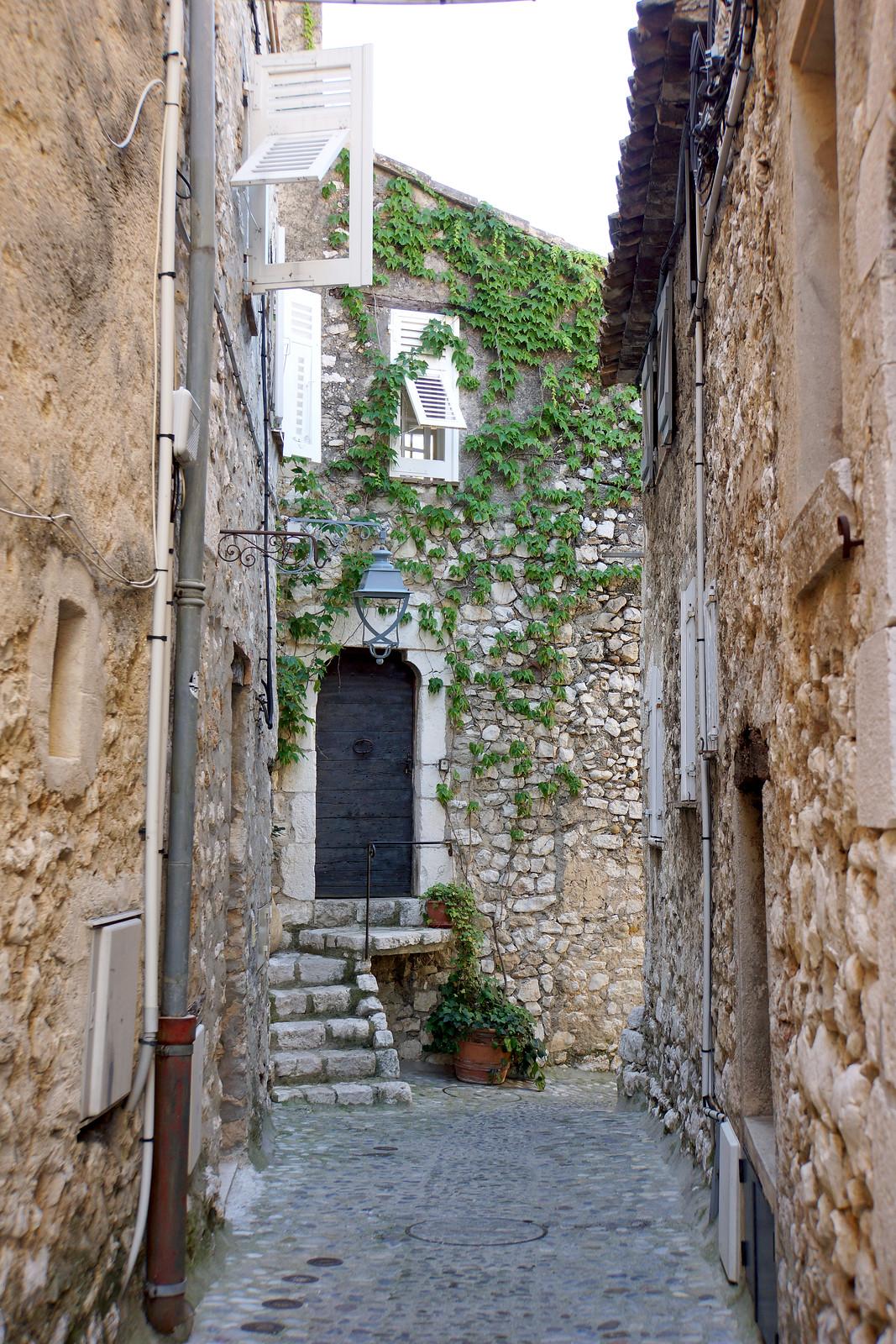 France-002692 - Leaving