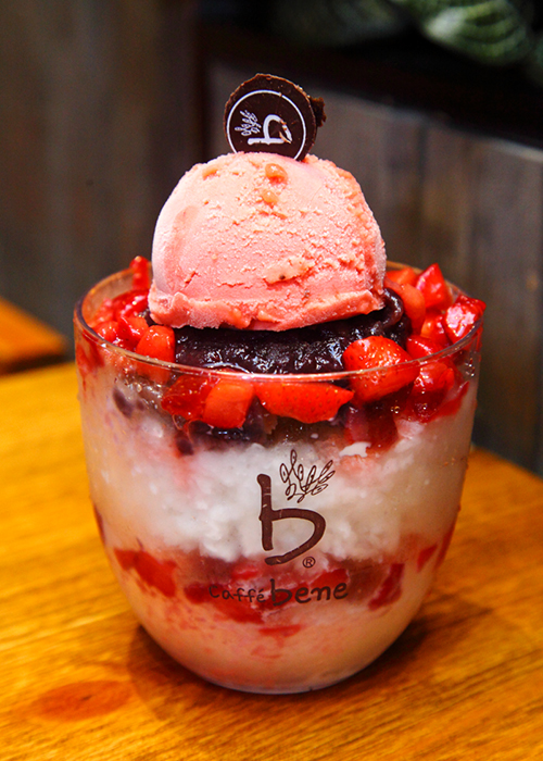Strawberry-Bingsu