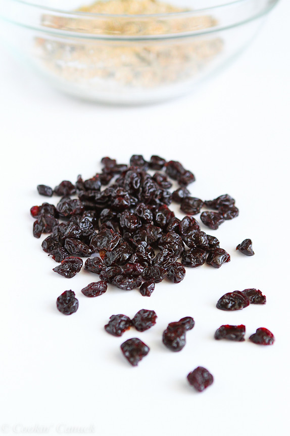 Baked Steel Cut Oatmeal with Tart Cherries and Pepitas...A hearty, healthy breakfast with 211 calories and 5 Weight Watcher PP. | cookincanuck.com #fiber