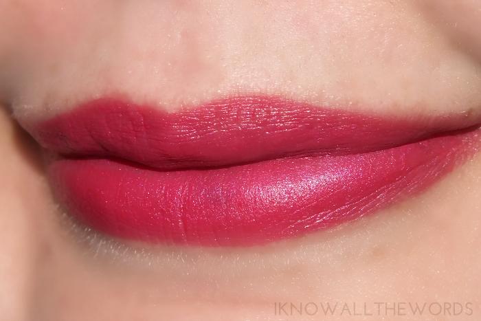 maybelline colour sensational creamy matte lipstick- mesmerizing magenta