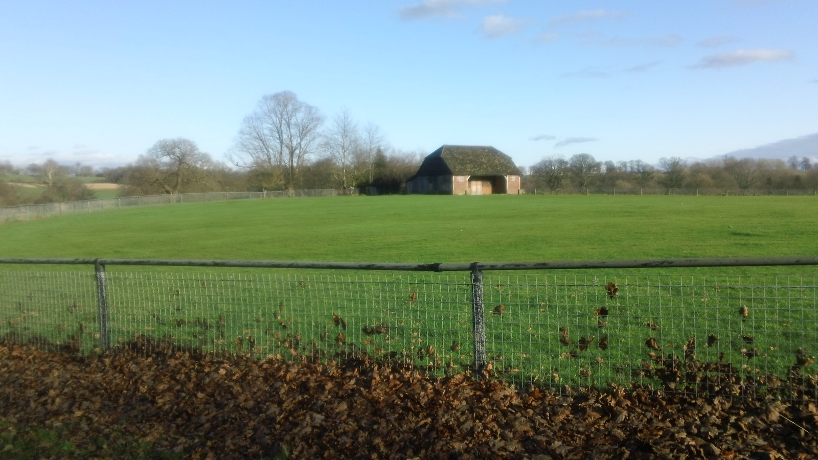 Hut in enclosure Penshurst